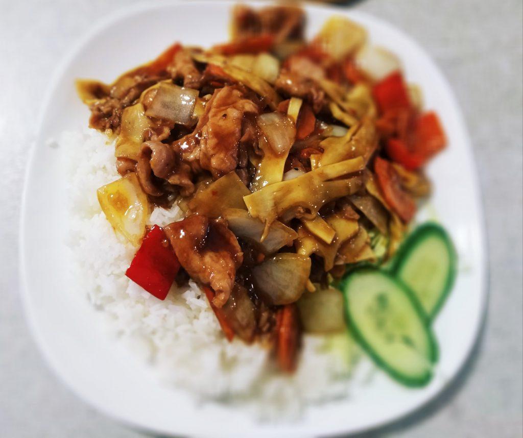 Vepřové pikantní s rýží