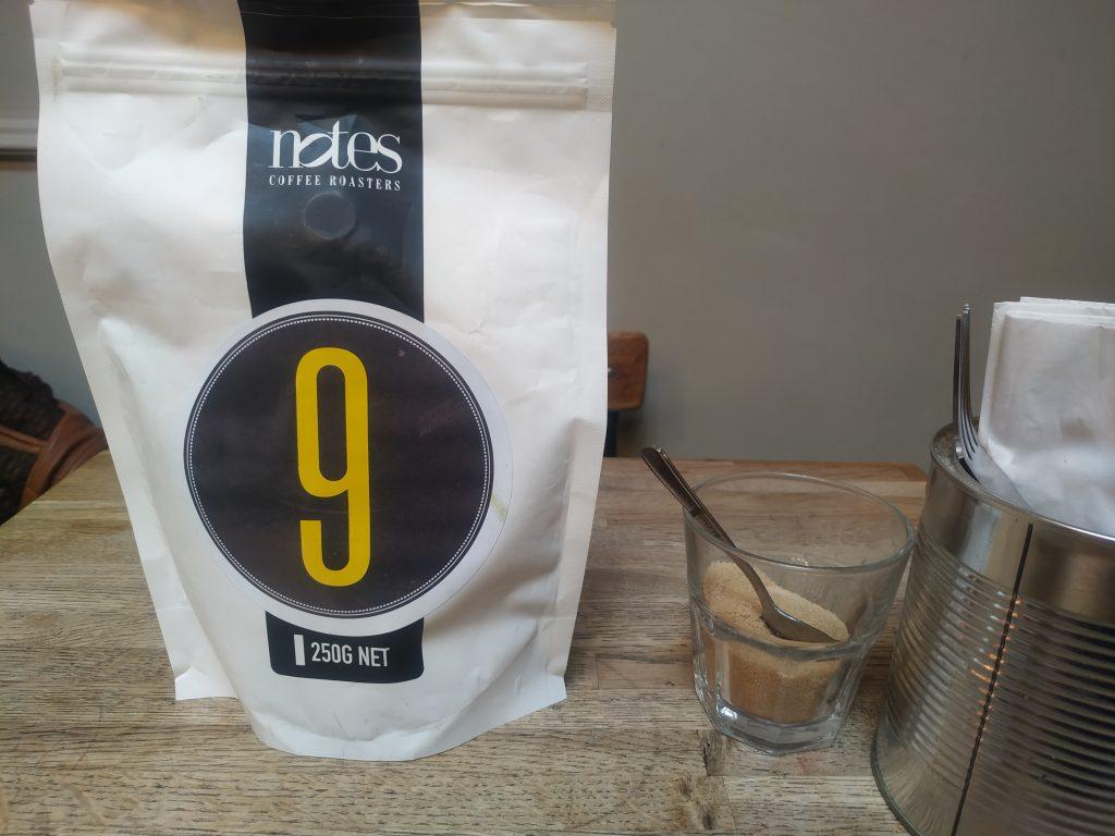 Pytlík s kávou s číslem  9